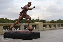 Скульптура знаменитого футболиста Lionel Messi стоковые фотографии rf