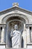 Скульптура Иисуса Христоса на Basilique du Sacre Coeur в Париже Стоковые Фото