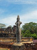 Скульптура индусского бога на археологических раскопках Anuradhapura Стоковая Фотография RF