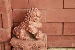 скульптура красного цвета льва Стоковое Изображение