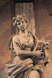 Скульптура на национальном театре Коста-Рика в Сан-Хосе стоковое изображение