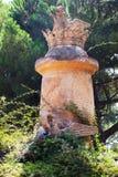 Скульптура на парке лабиринта Horta в Барселоне стоковые изображения