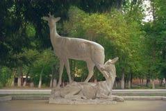 Скульптура оленя в городе паркует Стоковая Фотография RF