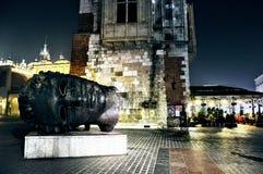 Скульптура перед theathre Стоковые Изображения