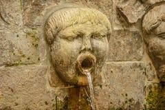 Скульптура фонтана стены Gijon Испании стоковые изображения rf