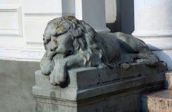 Скульптура льва в имуществе Kachanovka Стоковое Изображение