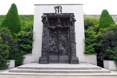 Скульптура Rodin в саде Rodin Museu Стоковая Фотография