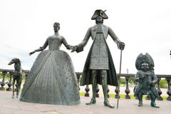 Скульптурный состав королевская прогулка в Strelna Стоковое Изображение RF