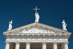 Скульптуры на чердаке собора Вильнюса, республики Литвы Стоковая Фотография