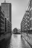 Складируйте район в Гамбурге - чернота & белизна Стоковое Изображение RF