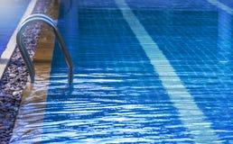 скложите заплывание вместе лестницы Стоковые Фото
