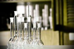 Склянки лаборатории стоковая фотография rf