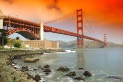 слава полного открытия моста золотистая Стоковые Изображения
