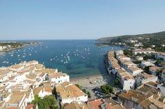 Славная деревня Cadaqués стоковая фотография rf