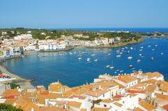 Славная деревня Cadaqués стоковое изображение