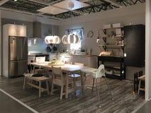 Славная мебель кухни на магазине IKEA Америке Стоковое Фото