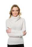 Славная молодая женщина в белом свитере стоковые изображения rf