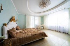 славное кровати большое Стоковые Изображения RF