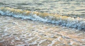 Славный брызгая прибой моря Стоковые Изображения RF