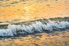 Славный брызгая прибой моря Стоковое фото RF