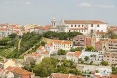Славный взгляд на малой церков около точки зрения Graca в Лиссабоне стоковые фото