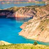 Славный взгляд резервуара Nurek в Таджикистане стоковая фотография rf