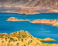 Славный взгляд резервуара Nurek в Таджикистане стоковое фото