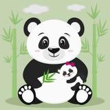 Сладостная панда сидит и держит младенца с розовым смычком и бамбуковой ветвью, против предпосылки бамбуковых деревьев и облаков иллюстрация штока