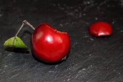 Сладостное яблоко для белизны снега Стоковое Изображение