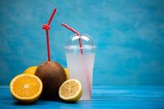 Сладостный освежающий напиток кокоса стоковая фотография rf