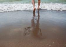 следы лета моря песка пляжа Стоковое Фото
