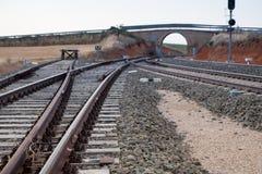 Следы поезда с небом стоковые фотографии rf