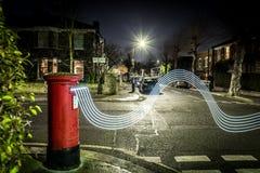 Следы Postbox и света в пригороде Лондона Стоковое Изображение RF