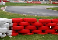 след автомобильной гонки стоковая фотография rf