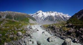 След долины рыболовного судна, кашевар держателя, Новая Зеландия стоковые изображения rf