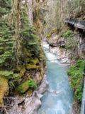 След каньона Johnston, верхний и более низко падения, национальный парк Banff, канадские скалистые горы, Альберта, Канада Стоковое Изображение RF