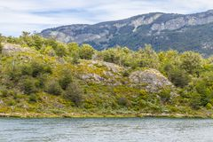 След, лес и река Lapataia, национальный парк Огненной Земли Стоковые Фото
