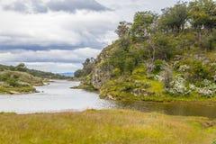 След, лес и река Lapataia, национальный парк Огненной Земли Стоковое Изображение RF