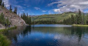 След озера парк Denali Horseshoe стоковые изображения rf