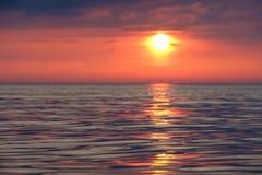 След Солнця на штиле на море стоковое изображение rf
