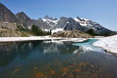 След Энн озера, Mt Национальный лес хлебопека-Snoqualmie стоковые изображения
