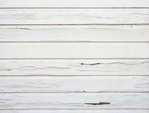 Слезать белую краску на горизонтальных деревянных планках Стоковое Изображение RF