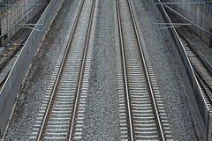 Сливать железнодорожные пути стоковые изображения rf