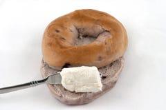 сливк сыра bagel Стоковые Изображения