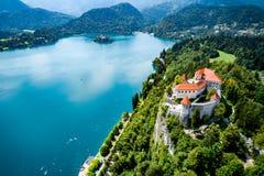 Словения - кровоточенное озеро курорта стоковое изображение rf