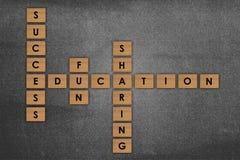 Слово образования деревянного блока над школой бакборта Стоковая Фотография RF