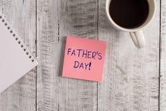 Слово писать день отца s текста Концепция дела на день года где отцы особенно удостоены детьми стоковое фото rf