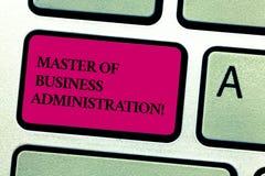 Слово писать мастеру текста управления торгово-промышленной деятельностью Концепция дела для клавиши на клавиатуре финансов образ стоковое фото