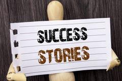 Слово, сочинительство, истории успеха текста Рост образования достижения воодушевленности схематического фото успешный написанный стоковое изображение