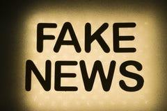 слово ' фальшивка news' стоковое фото